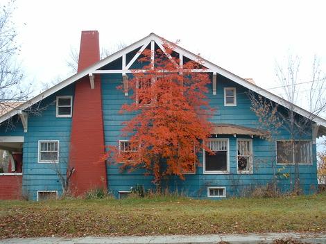 Blueredhouse